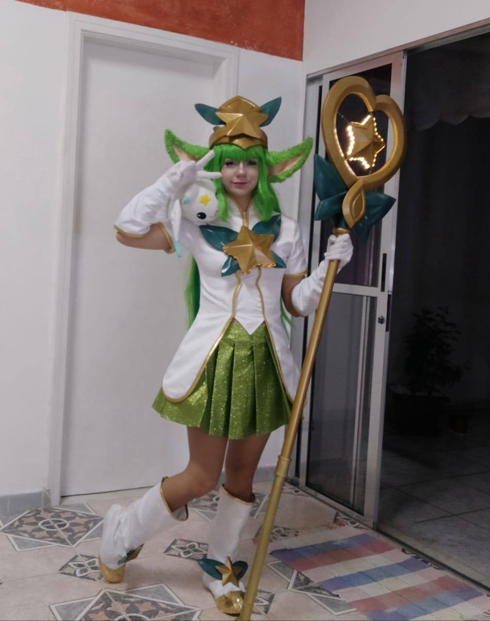 Top Cosplay 10 - Lulu Star Guardian de League of Legends
