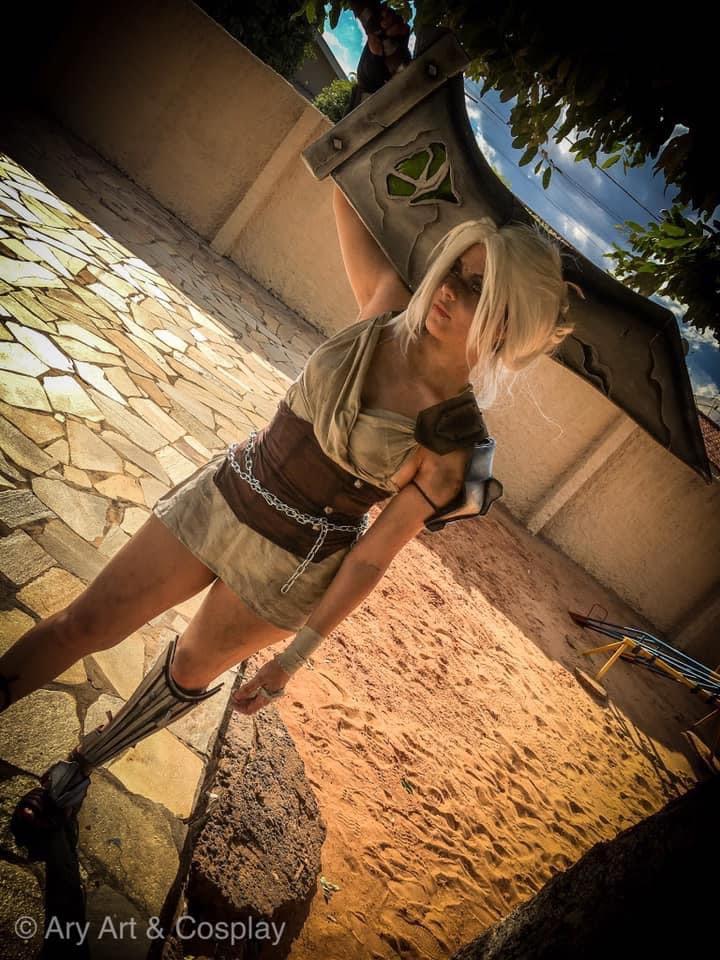 Cosplay Gamer Ary - Riven de League of Legends